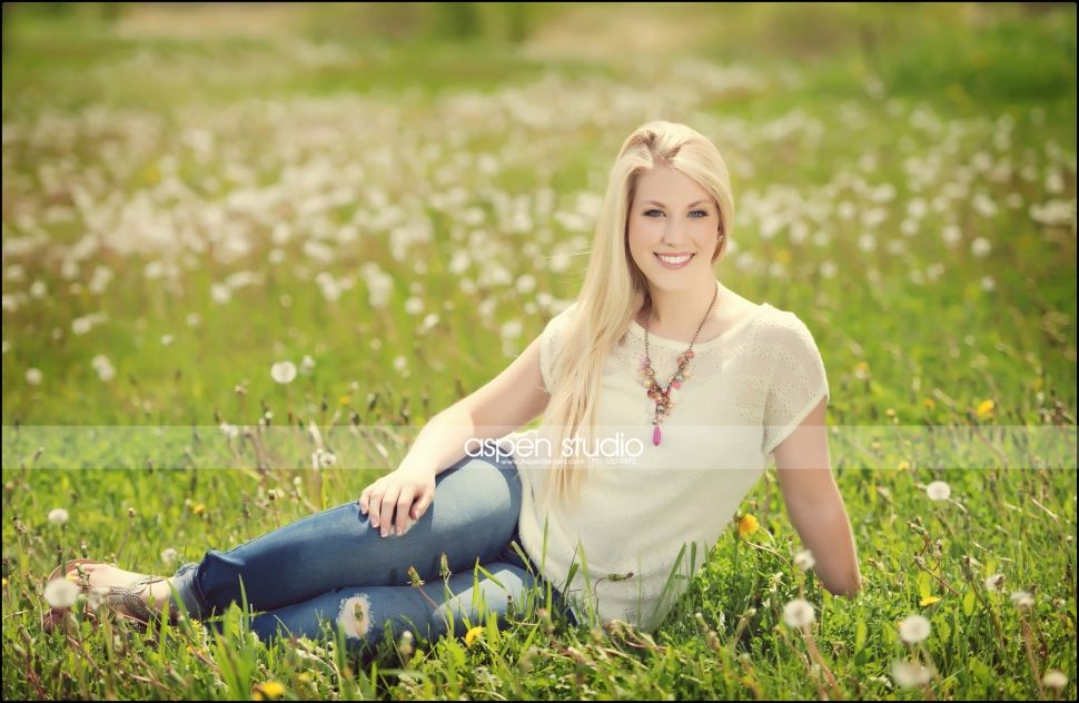 Nicole #senior #pictures #outdoor #ideas #summer #outfit #ideas #accessory #tips #modern #poses #pretty #smile