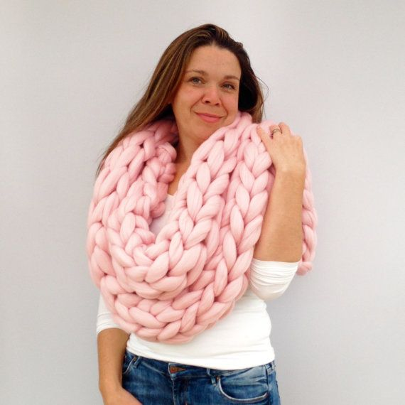 Giant knitted Scarf, 70+ colours Giant Extreme Infinity chain scarf, Super chunky  bulky scarf, knitting Merino, chunky yarn, M012