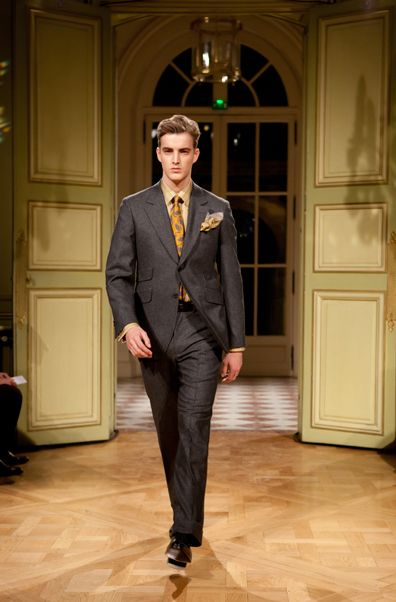 gold tie grey suit - Google Search | Suits | Pinterest | Dark, The ...