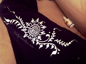 Mehndi Designs Jeans : Fabric paint henna design on clothes diy so cute a tight pair