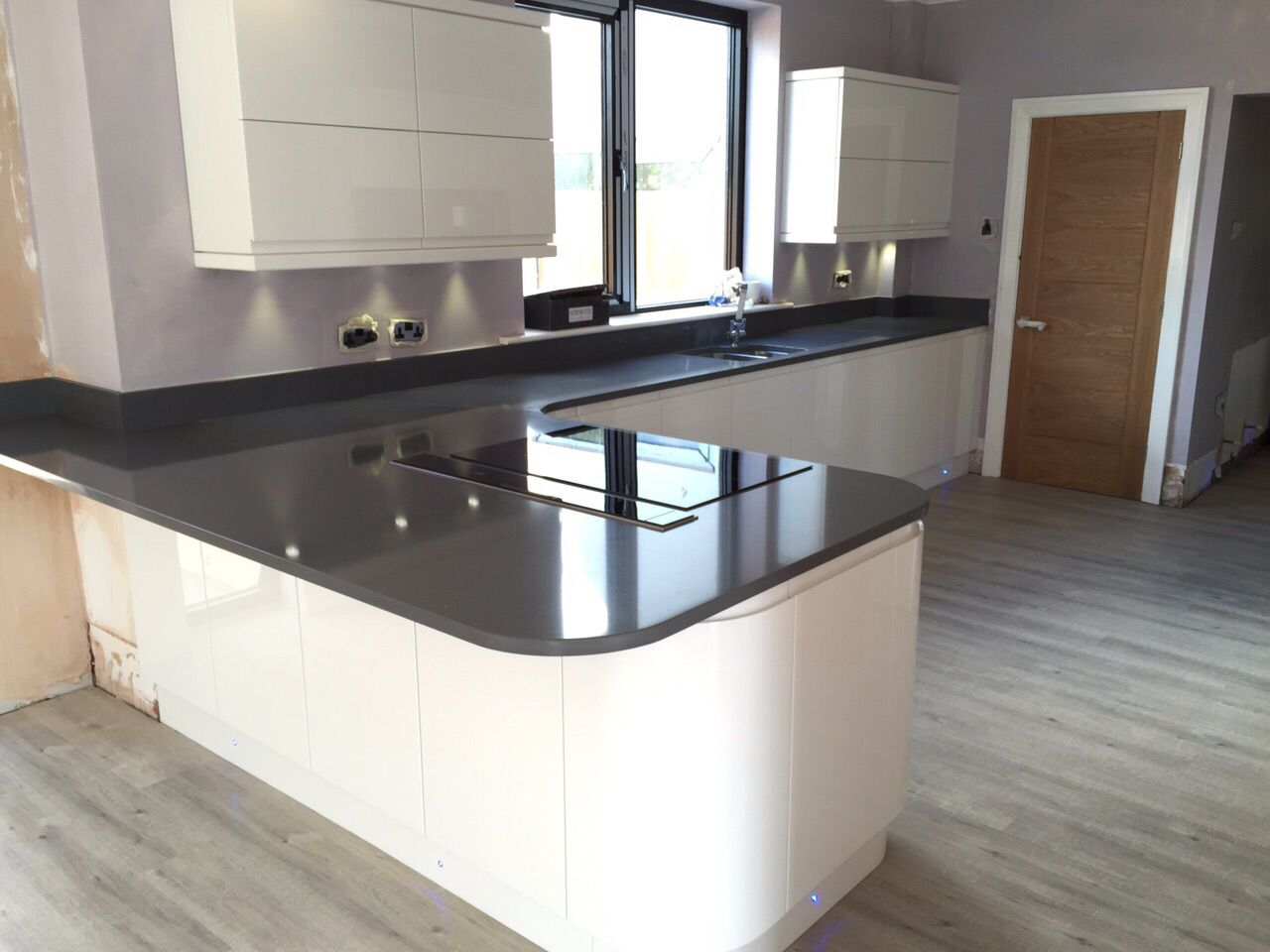Super Modern Kitchen Ultra Modern Gloss White Handless Kitchen With Quartz Grey