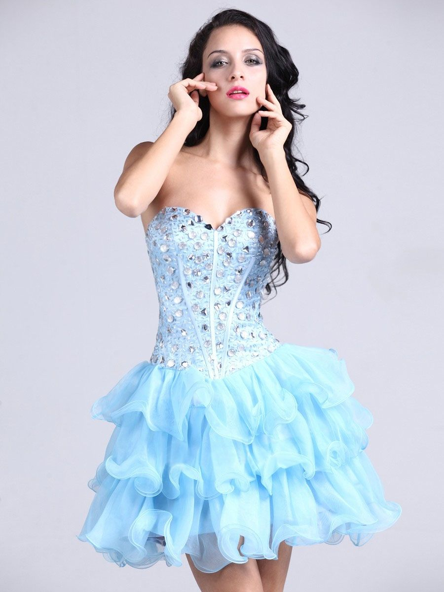 I dont really do the strapless but this is super cute dress me