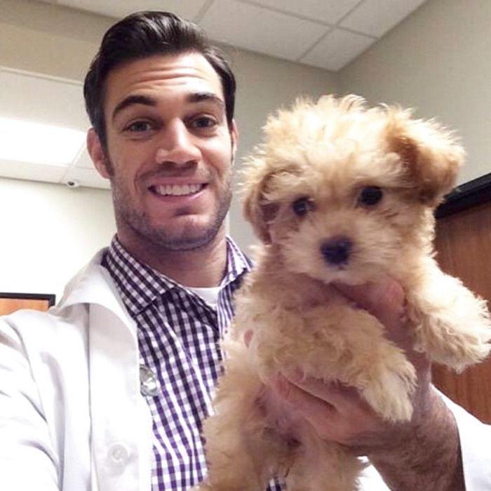 Alumnus brings sexy back to veterinary medicine | SOURCE