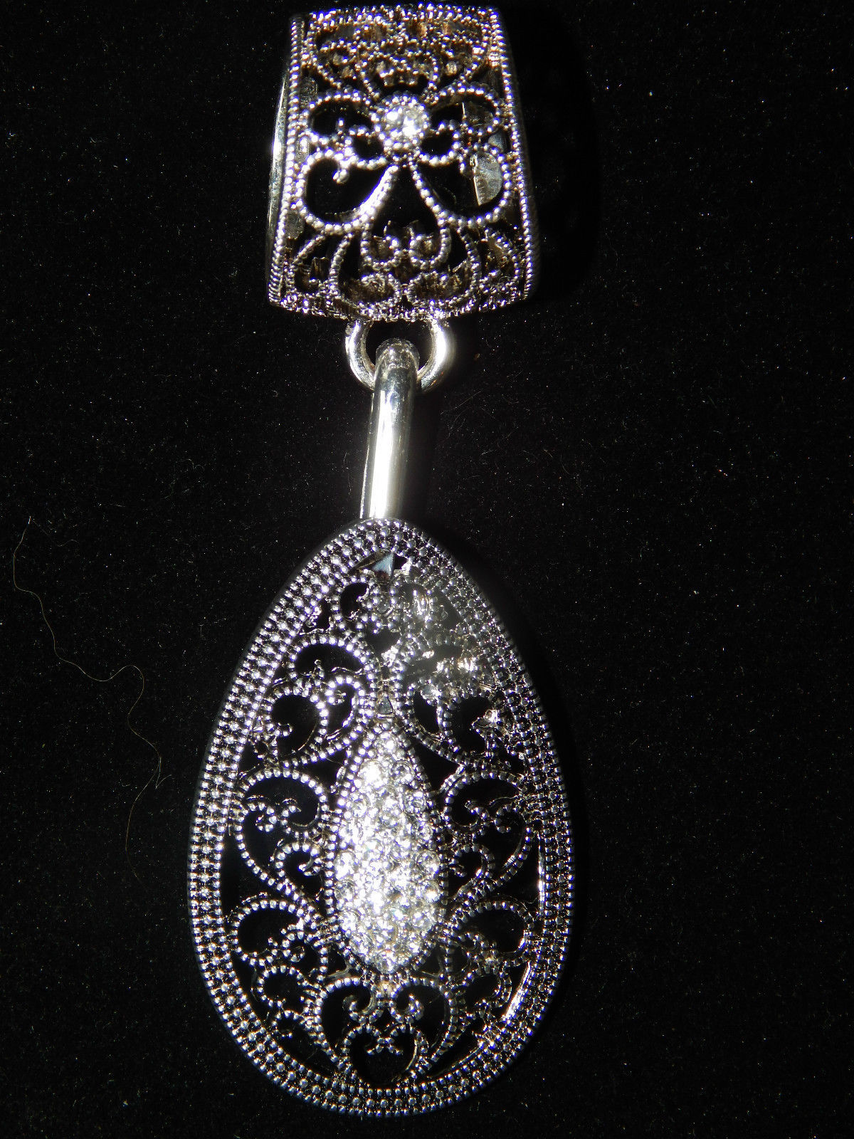13.67$  Watch here - http://vizlw.justgood.pw/vig/item.php?t=drrxgi47837 - NWT Women's Silver Interchangable Filigree Teardrop Fashion Scarf Ring/Holder 13.67$