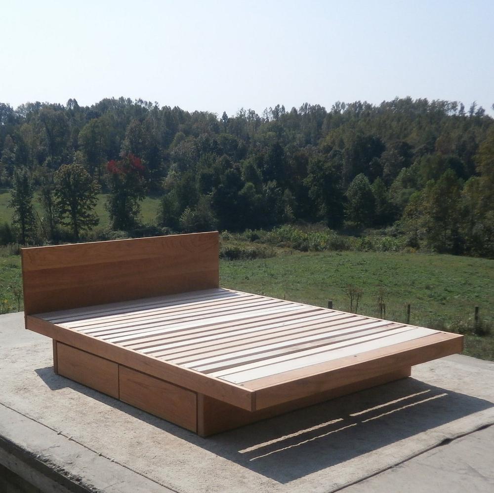 ZCustom 10 wk half Lydie NdRsV01 Solid Hardwood Platform
