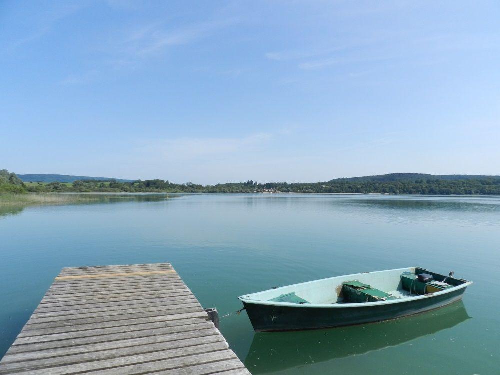 Barque De Peche Lac De Chalain Jura Lac Barque De Peche Jura