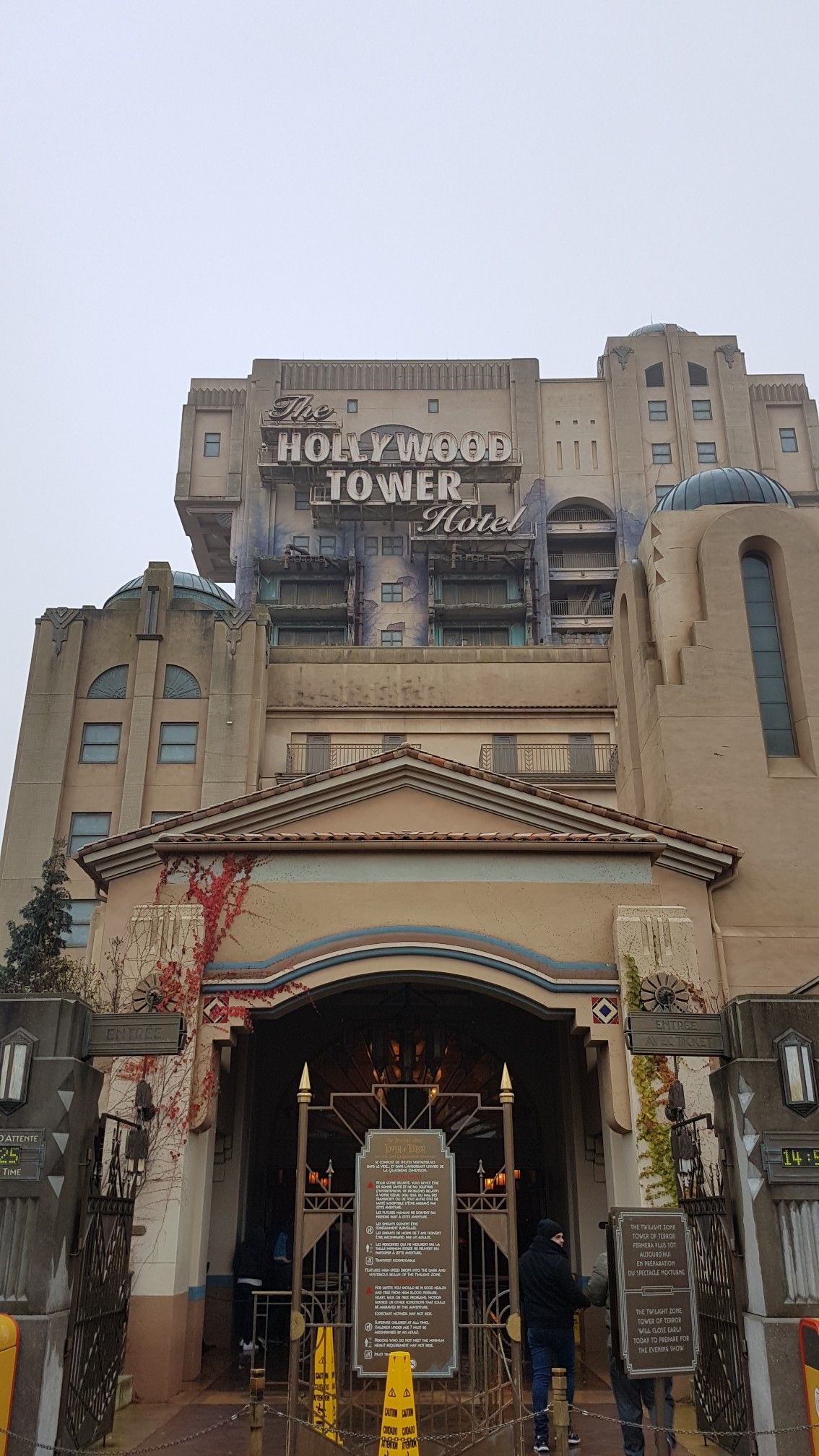 The Twilight Zone Tower Of Terror Production Courtyard Walt Disney Studios Disneylandparis 17 Disney Paris Disneyland Paris Walt Disney Studios