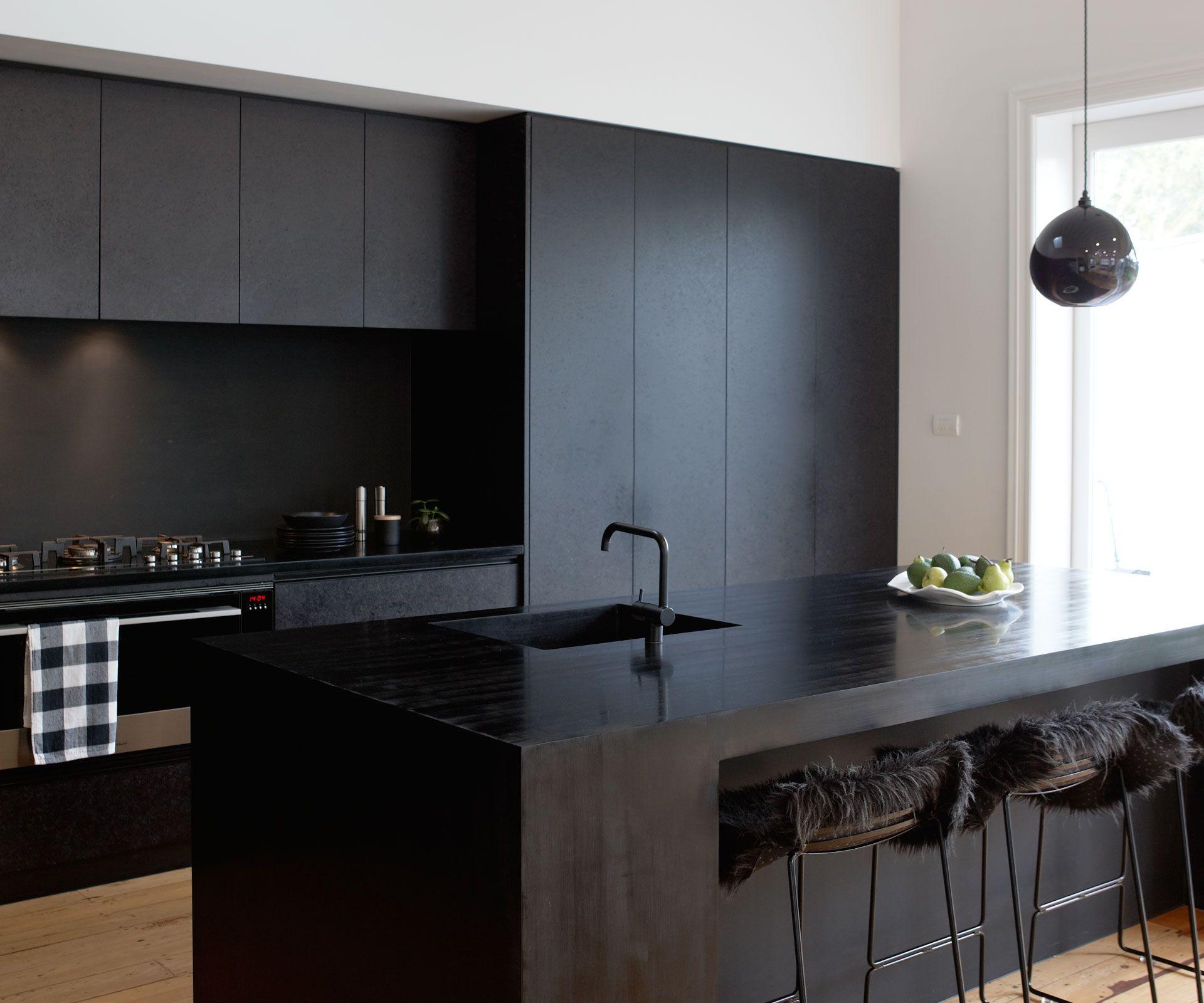 A Matte Black Kitchen Makes A Bold Statement In This Auckland Villa Black Kitchen Cabinets Kitchen Design Black Kitchens