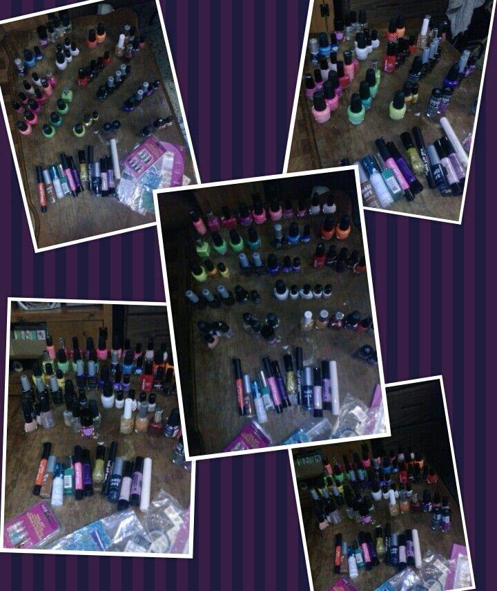 I think i need some new nail polish lol *geegee