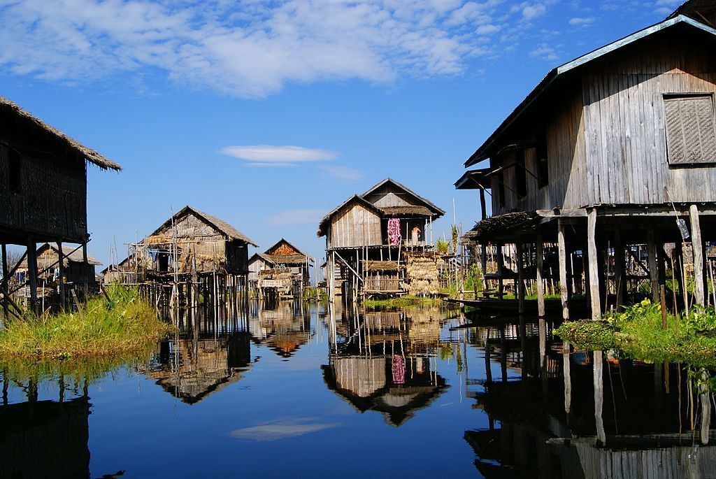 Inle-Yawnghwe - Stilt house - Wikipedia, the free encyclopedia