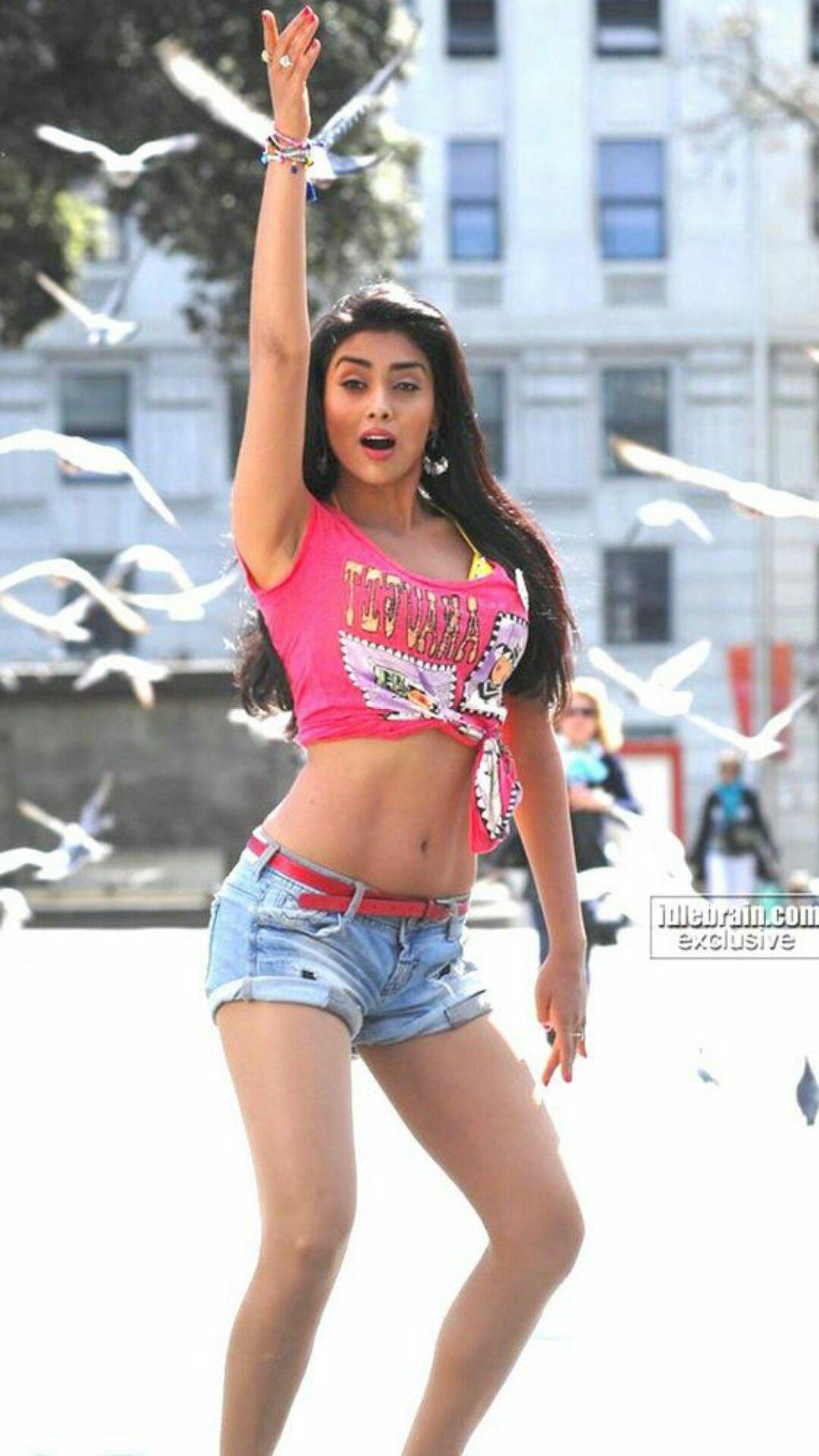 Pin By Actress World On Shriya Saran Girl Outfits Actresses