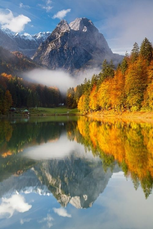 Lago Riessersee, Garmisch-Partenkirchen, Bavaria, Alemanha.