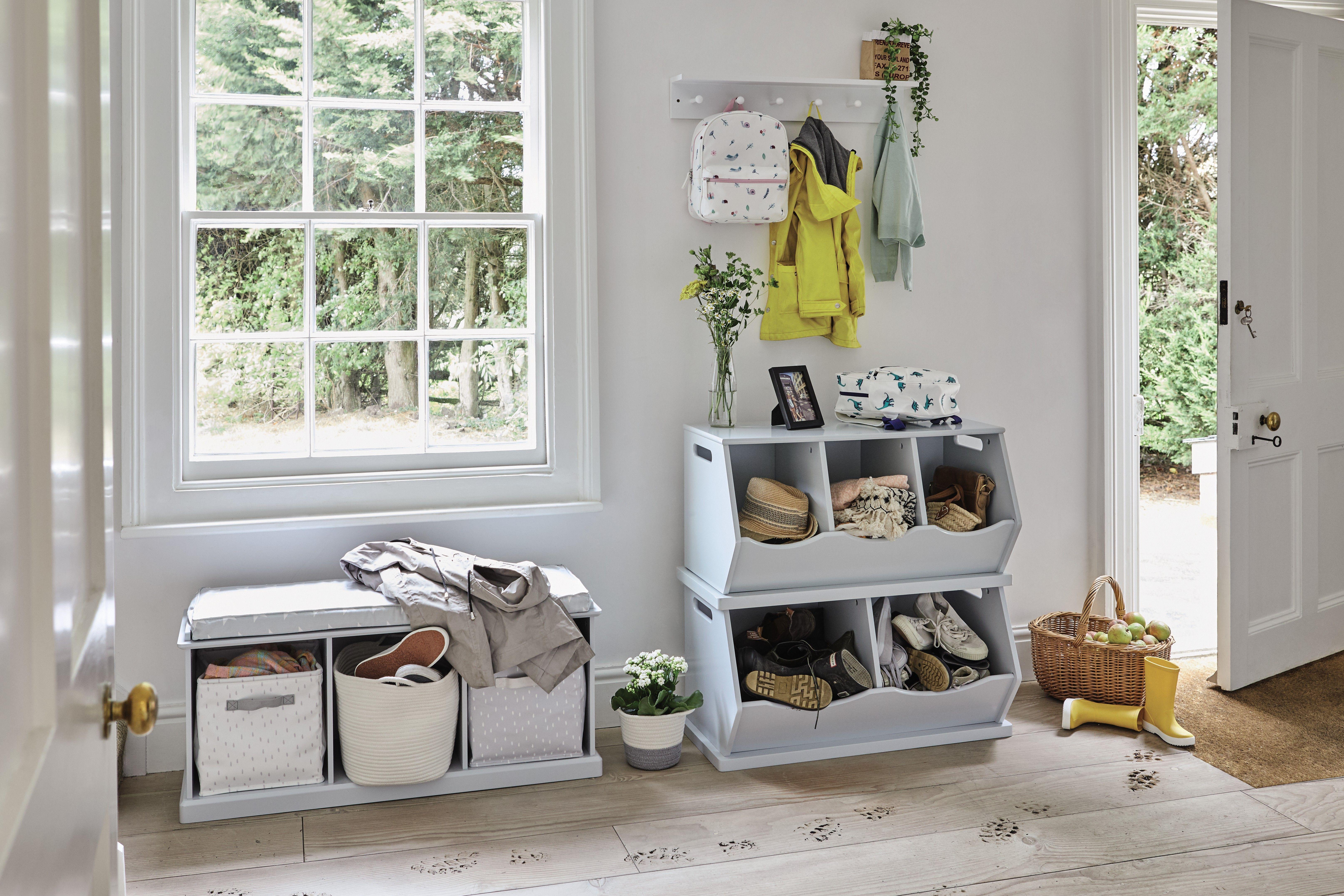 Storage bench in the hallway – 20 ideas
