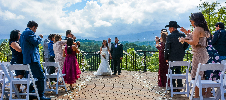 Peaceful Mountain Bliss Gatlinburg Wedding Packages Smoky Mountain Custom Weddings Package Tenne Gatlinburg Weddings Tennessee Wedding Venues Bridal Packages
