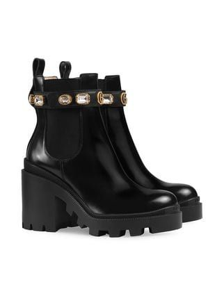 a5fe8b2d939 Gucci Leather Ankle Boot With Belt in 2019