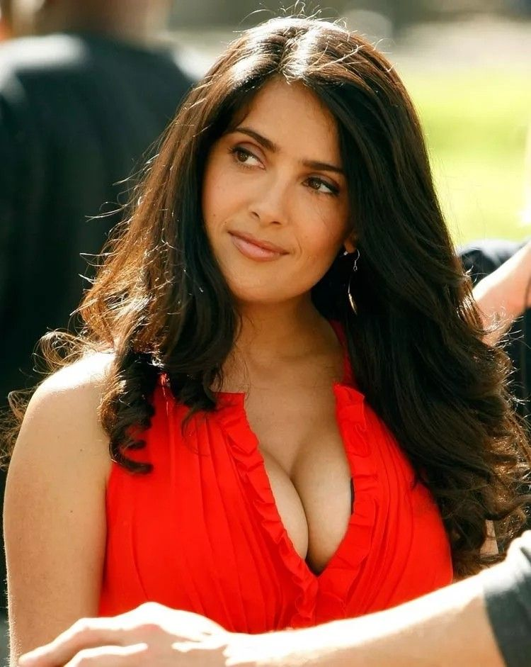 Pin By Man With No Name On Nice Salma Hayek Salma Hayek Pictures Salma Hayek Young