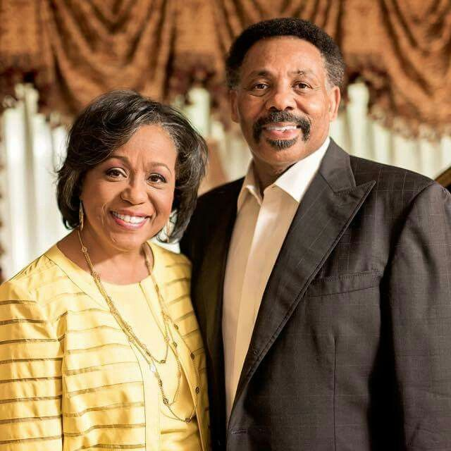 Pastor Tony Evans And His Wife Lois Celebrating 45 Years Of Marriage Celebrity Couples Tony Evans Celebrities