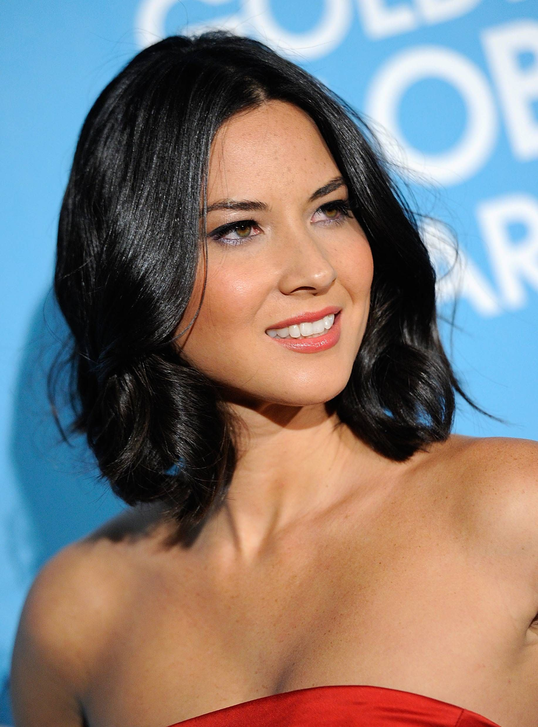 flattering hairstyles for round faces hair pinterest lazy