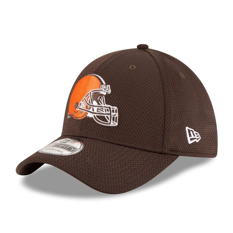Cleveland Browns New Era Sideline Tech 39THIRTY Flex Hat