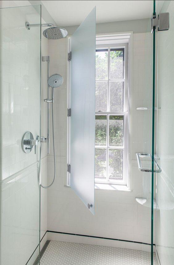 Glasschutz fr Fenster in der Dusche  Interior Design Bathrooms and Toilets  Badezimmer und WC