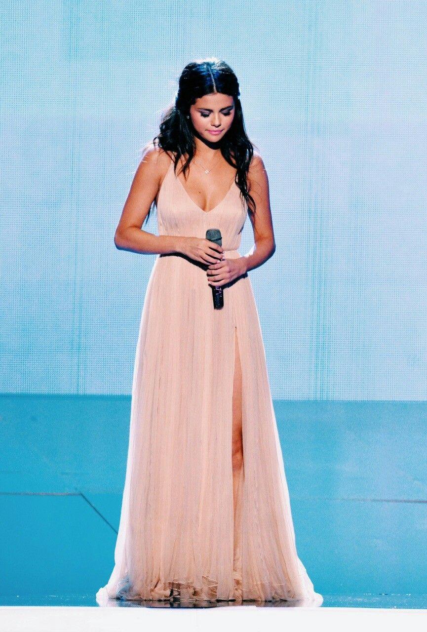 Pink and ivory wedding dress  Pin by Pαℓℓανι вhσуαя on Selena Gomez  Pinterest  Selena gomez