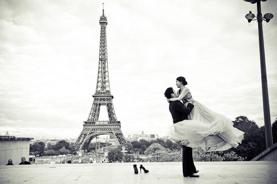 Pre Wedding Photo Shoot In Paris By Janis Ratnieks Photographer Chelsea London