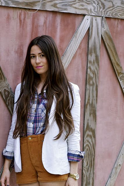 Rolled up sleeves on white blazer + plaid shirt