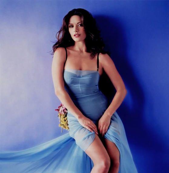 Catherine Zeta Jones Se Desnuda A Los 40 Años Lariojacom Foto 1