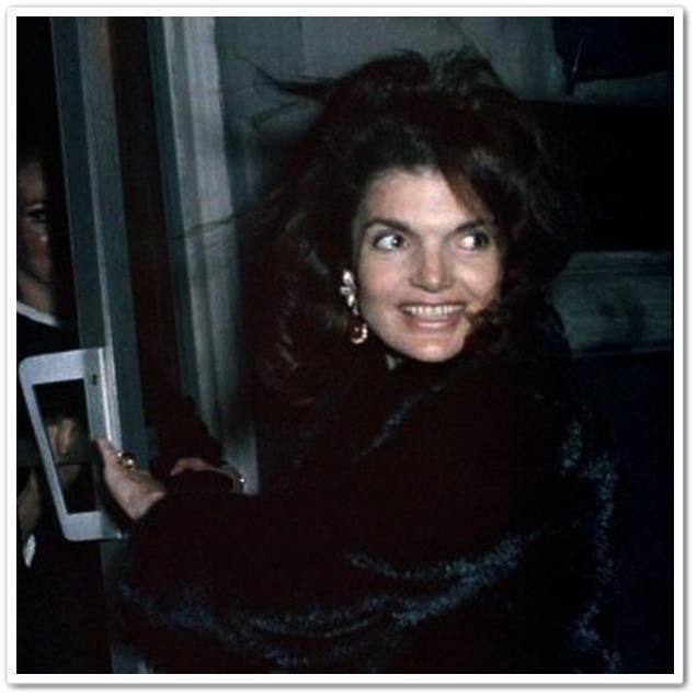 fabulous photo - Jacqueline Kennedy Onassis