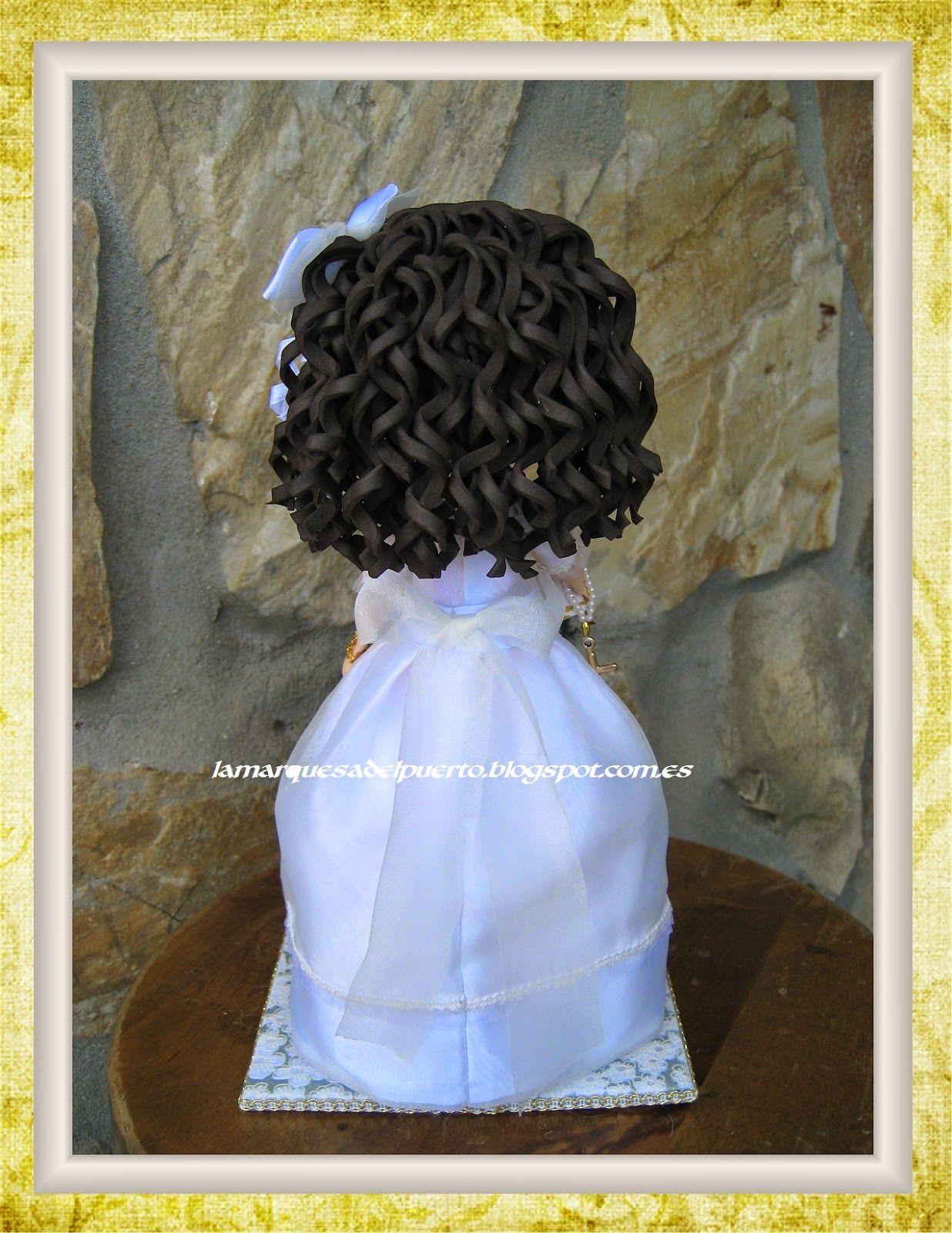 Os presento otra preciosa muñequita, regalo para Yolanda el dia de su comunión.