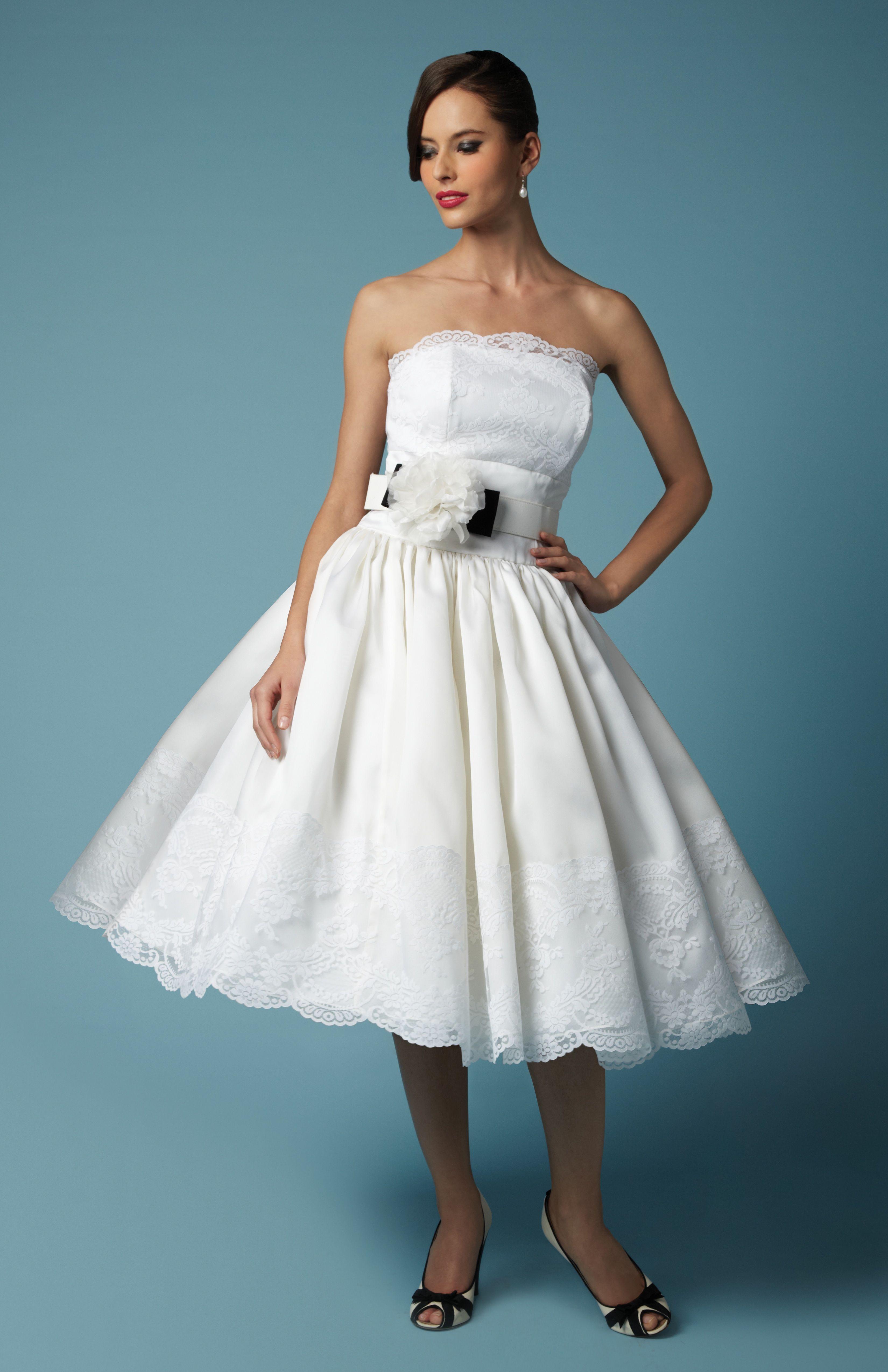 Fancy New York brings a little Joy to a garden wedding | Wedding ...