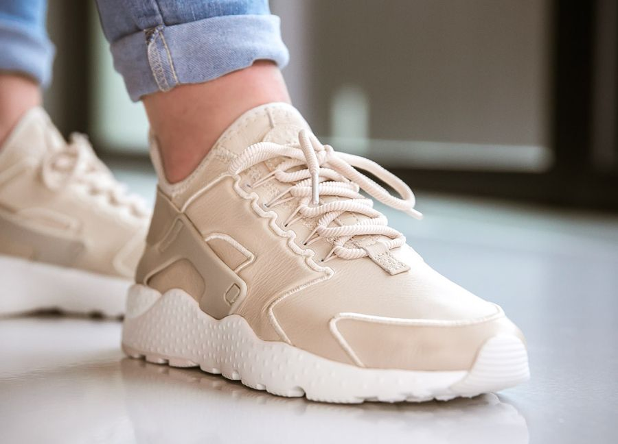 the latest dec65 b5fb6 Nike Air Huarache Ultra SI 'Oatmeal Ivory' (beige) femme ...