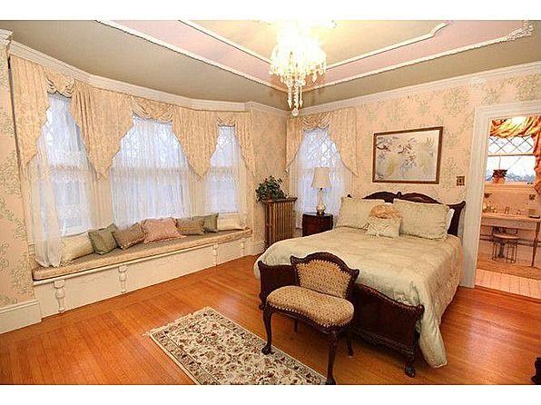 Master Bedroom Suite 28 Greystone Rd Malden Ma 02148 Historic Homes For Sale Dreamy Bedrooms Bedroom Suite
