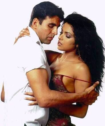 Khiladi Akshay Kumar and his celebrated and secret love affairs - seen here with ex-love Priyanka Chopra. Akki's affair with PC made wife Twinkle so insecure that she requested hubby to not sign any more films with PC. PC had affairs with married and un-married co-stars.