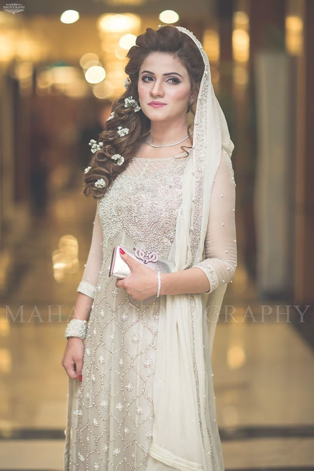 25 Pakistani Wedding Hairstyles For A Perfect Looking Bride