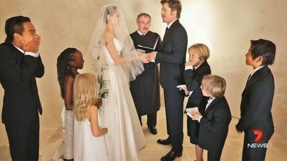 Jolie Pitt Wedding Gorgeous Angelina Jolie Wedding Brad And