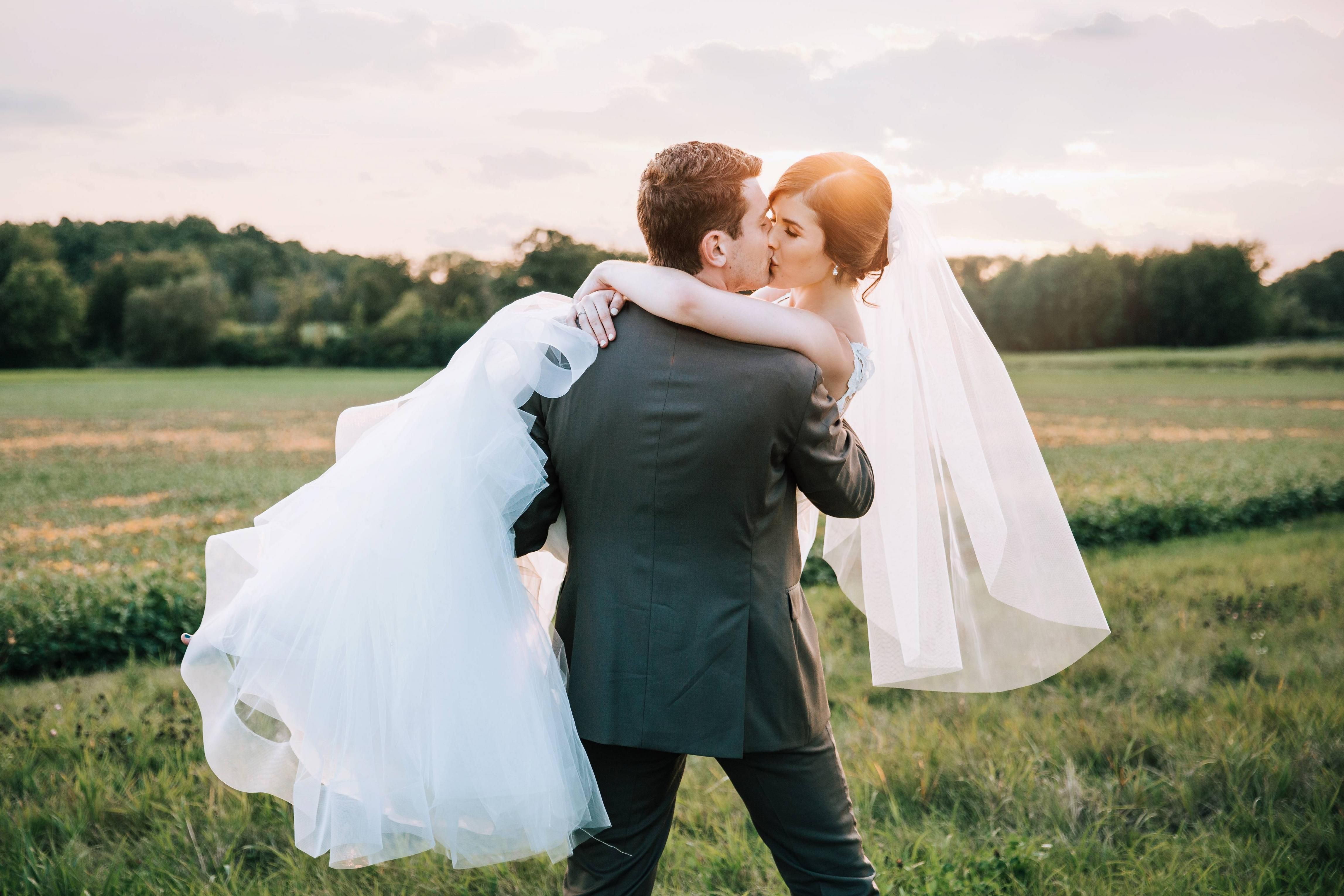 Reddit The Front Page Of The Internet Wedding Planning Photography Poses Couple Photos