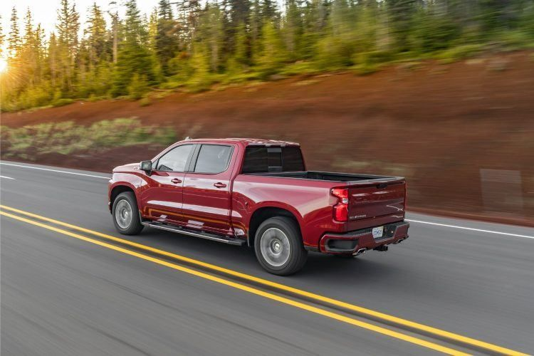 Chevy Silverado 1500 Duramax Sails Past Rivals Fuel Economy Announced With Images Chevy Silverado Chevy Silverado 1500 Silverado