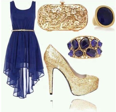 Tacones para un vestido azul