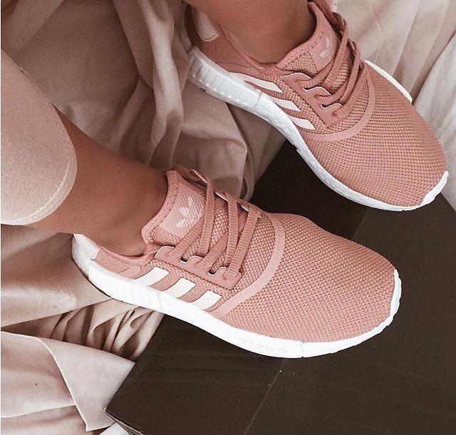 Pin de Angely en Women's fashion   Zapatos adidas mujer ...