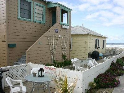 Cozy Ocean Front Beach Cottage