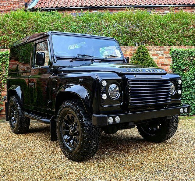 A Rather Pleasing Example Of A Defender90 By Bisonautodesign Landrover Landroverdefender Landroverphotoalb Land Rover Defender Land Rover Bug Out Vehicle