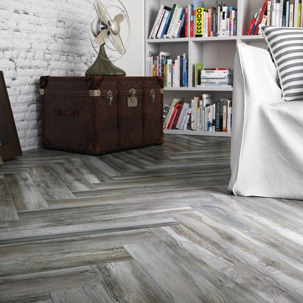 Gray Wood Flooring Kitchen: Wood Effect Porcelain Tile