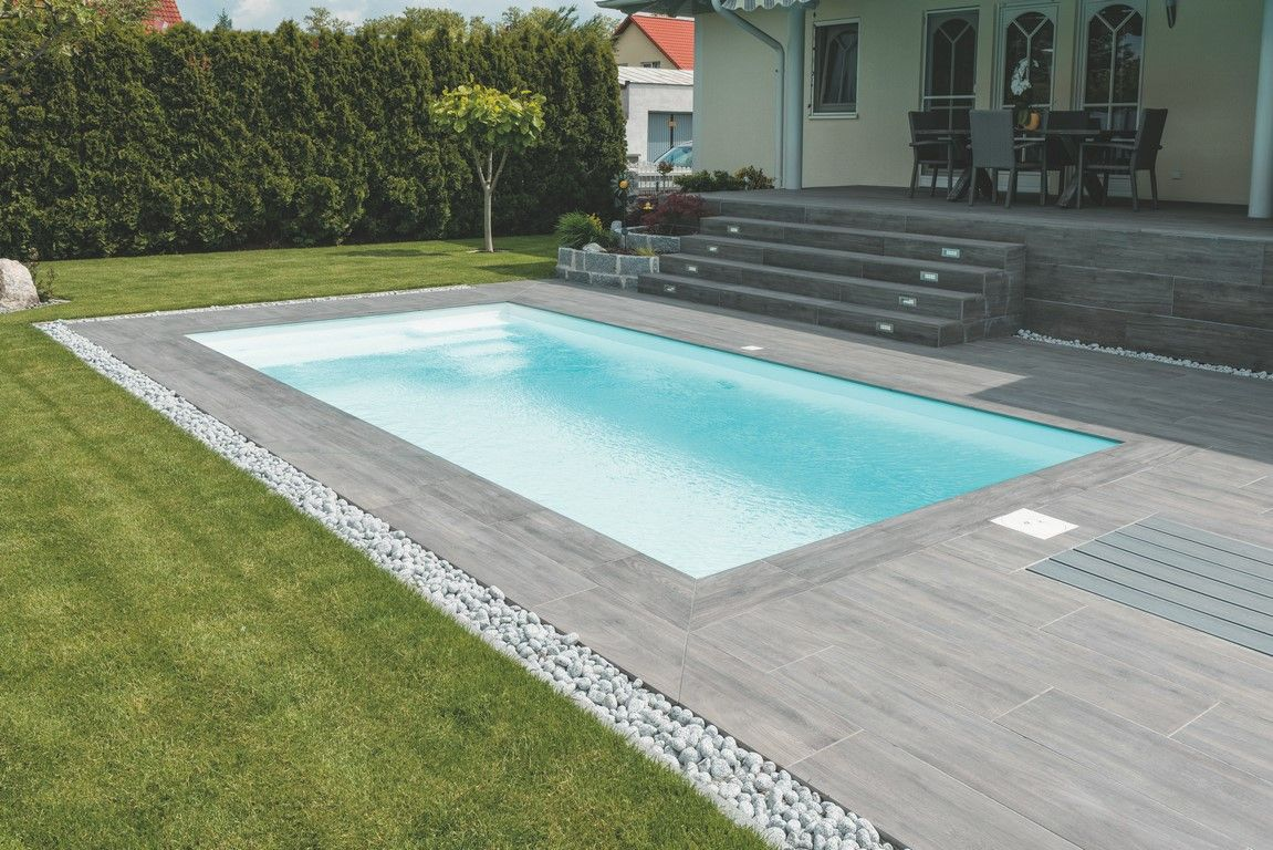 Keep grout same color as tile with small lines outdoor tiles