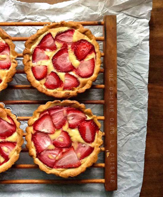 Strawberry Frangipane Tartlets from @Valerie   une gamine dans la Cuisine