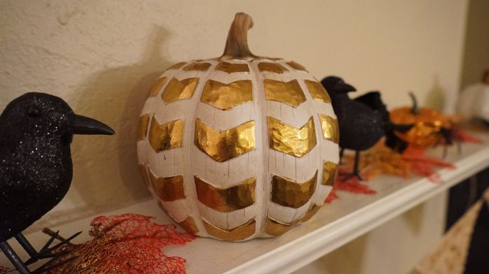 fall decor ideas, fall mantel ideas, halloween decor, halloween