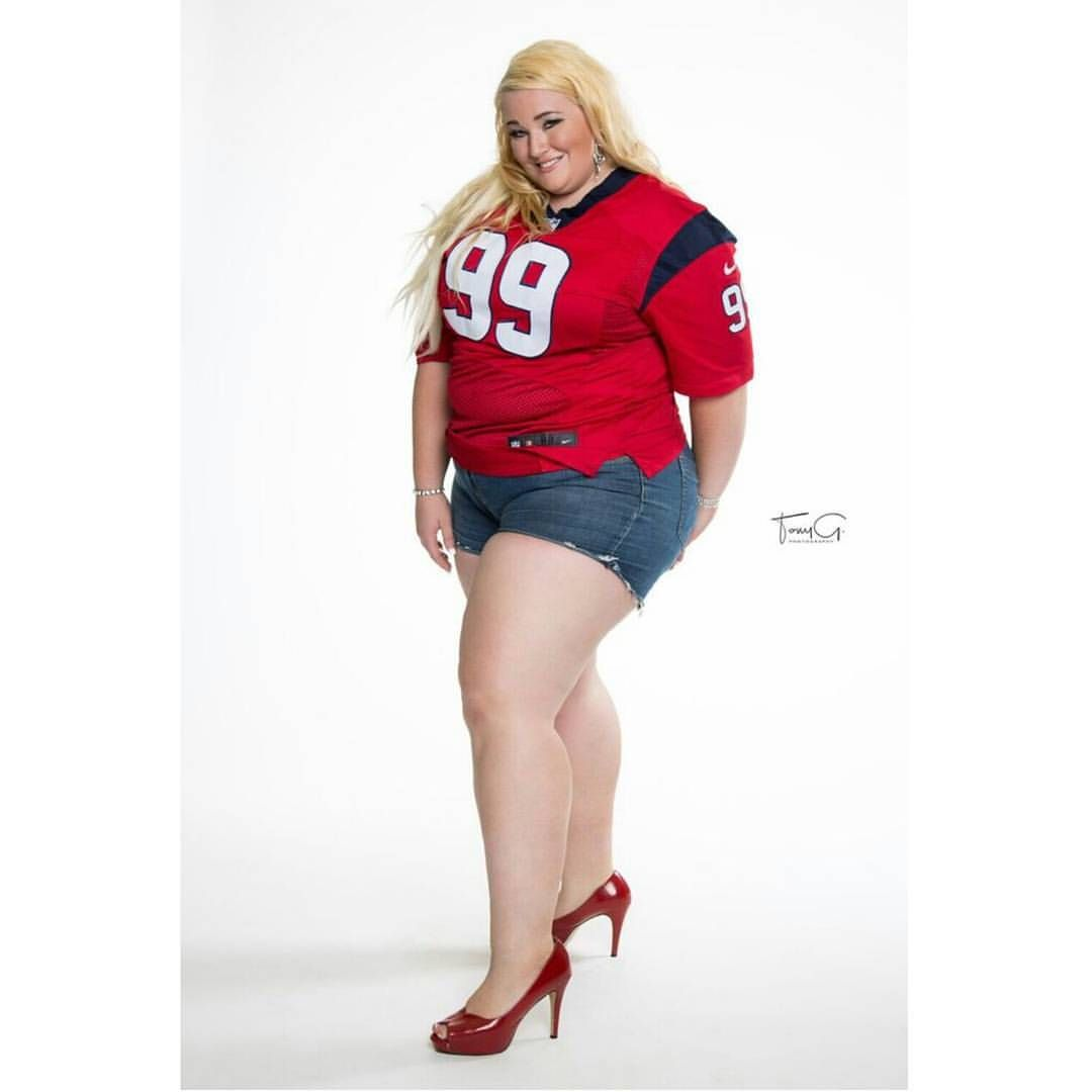 #texans #houston #texas #biggirlsrock #texasmodel #amazon #curvy #plussize # bbw #legsfordays #thunderthighs #blonde #german #tummy #curves…
