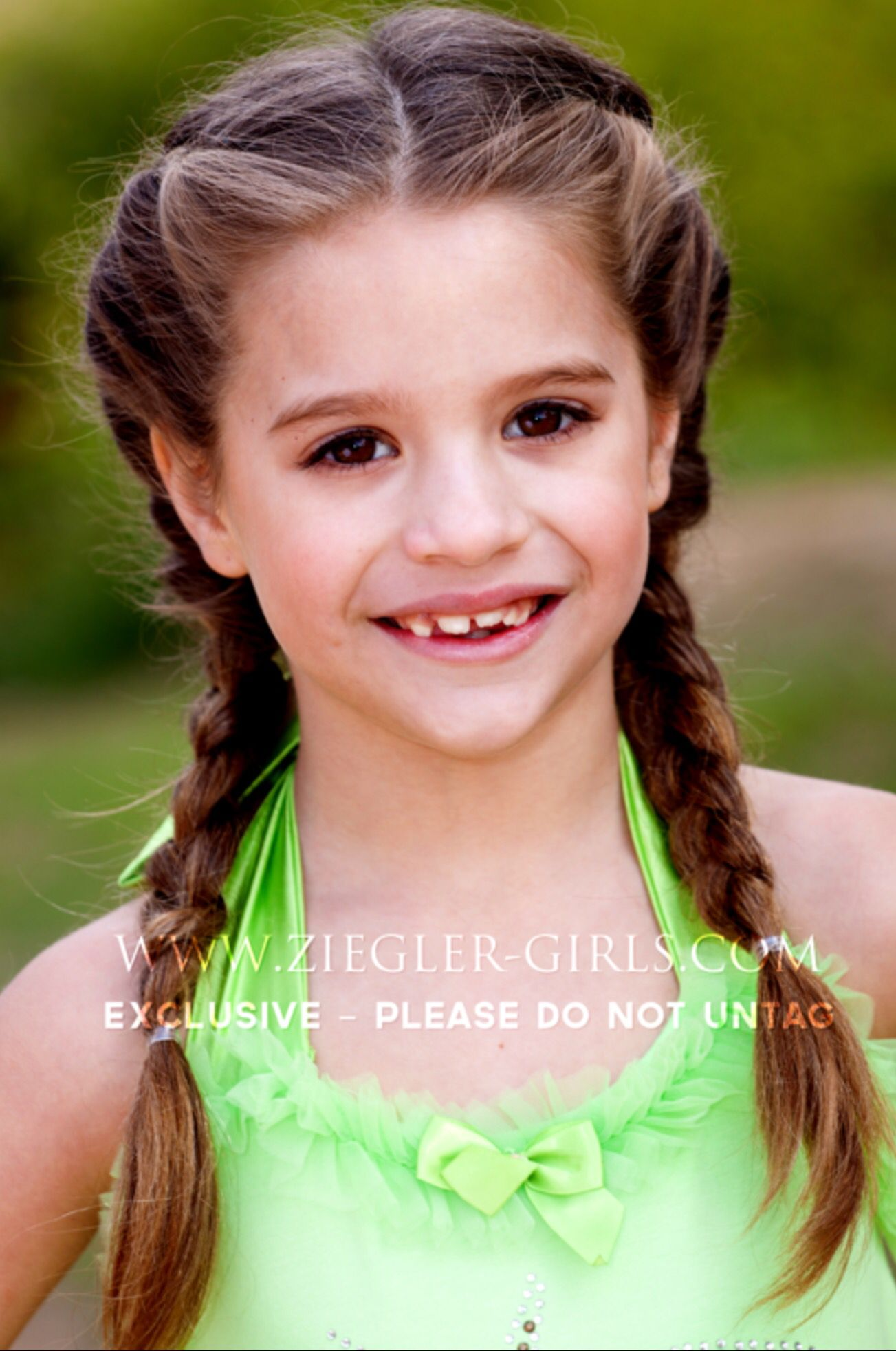 "Mackenzie Ziegler Modelled for ""Dream Magazine"" [2012 ..."