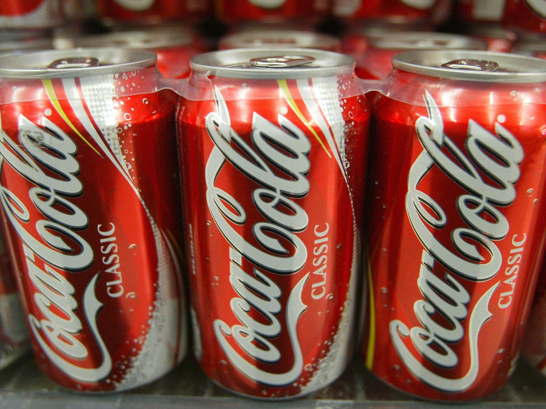 Soda sales crash as consumers chose healthier options (KO PEP)