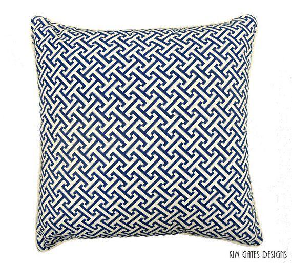 Best 11 Astonishing Decorative Pillows On Bed Ideas 400 x 300